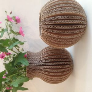 Vase en carton – forme ronde