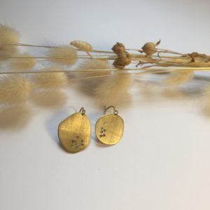 Boucles d'oreilles en laiton ajouré – Carole Péron