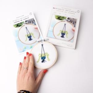 Broderie Chaîne de cœurs – French Kits